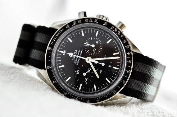 Omega Moonwatch-11